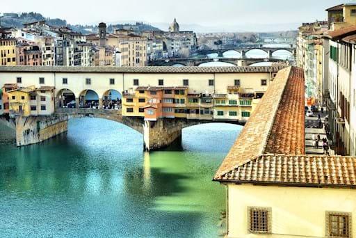 larger side view Ponte Vecchio
