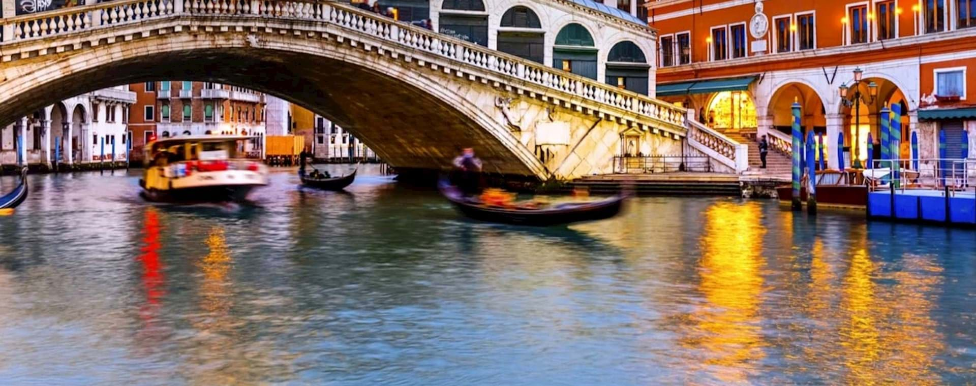 Hidden Venice by Night Walking Tour and Gondola Ride